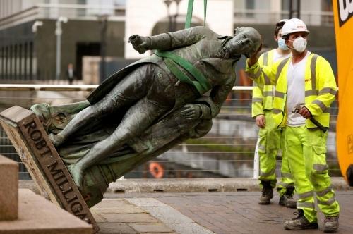 Can statue removing movements abolish modern slavery?