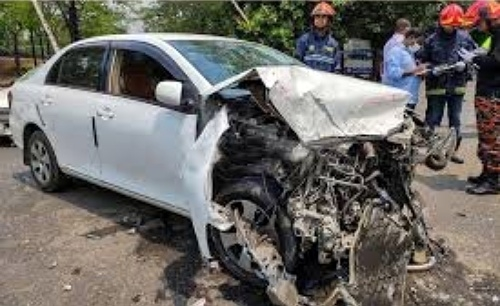 Pickup-car collision in Sylhet, 7 injured