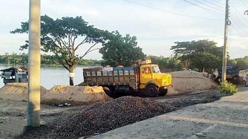 Govt loses huge revenue from sand in Jaintapur
