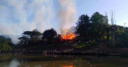 20 shops gutted in Bandarban fire