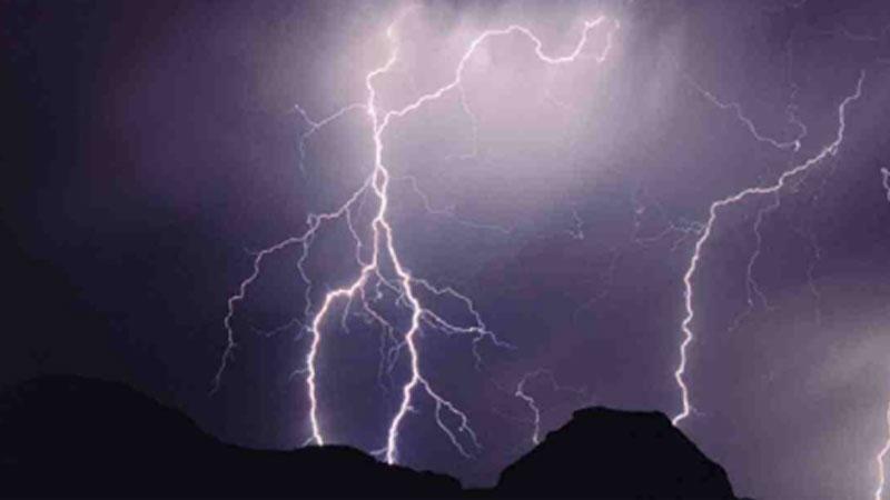 16 die as lightning strikes bridal party boat in Chapainawabganj